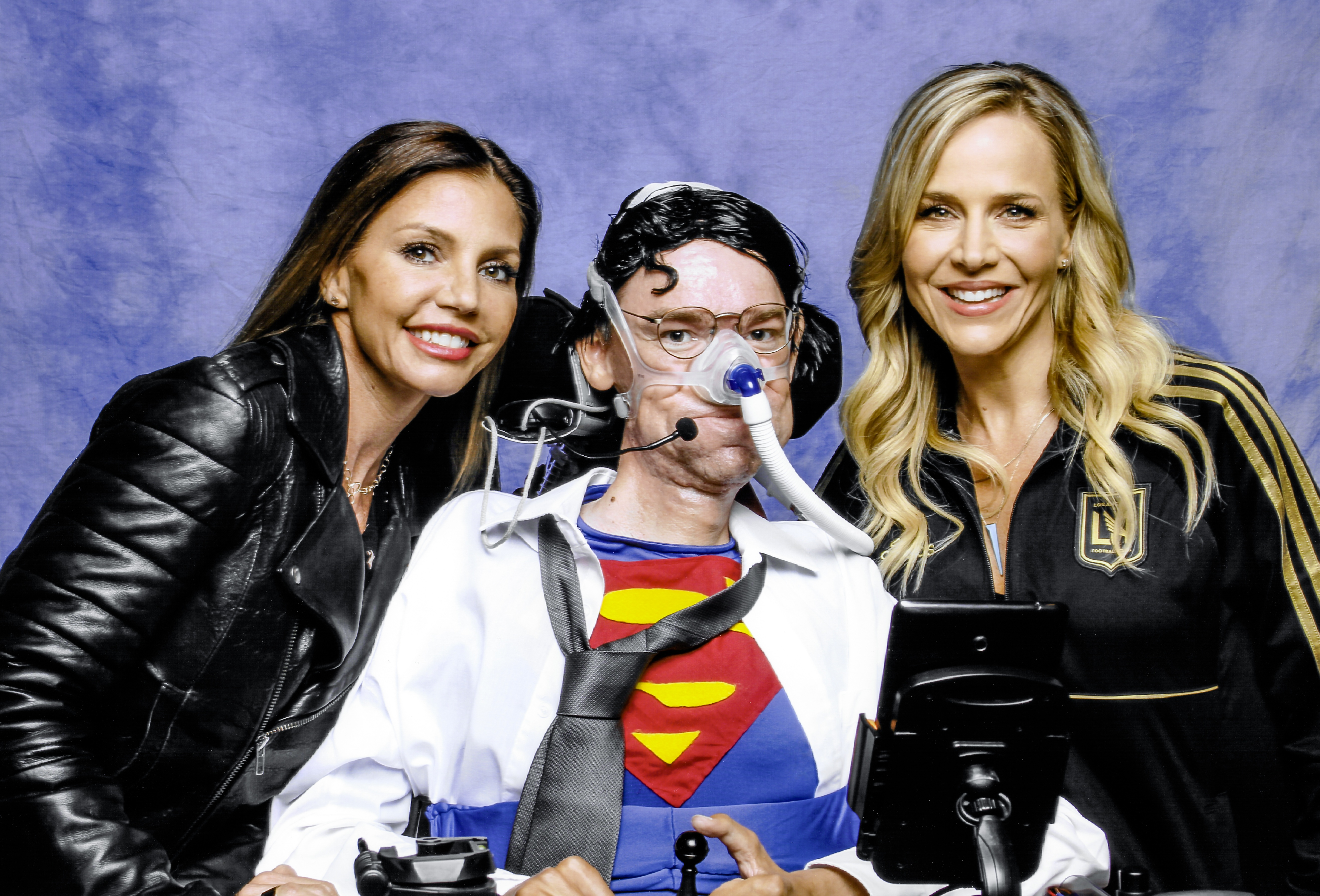 Charisma Carpenter and Julie Benz