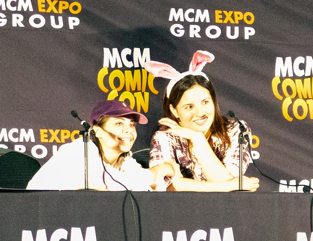 Willa Holland and Katrina Law