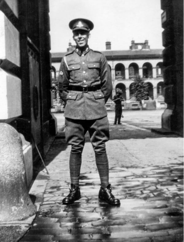 A soldier from WWII in black and white